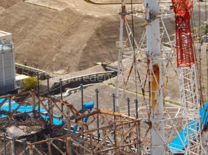 福島第一原発、腐食し倒壊の危険性がある排気筒について【2019年5月空撮】